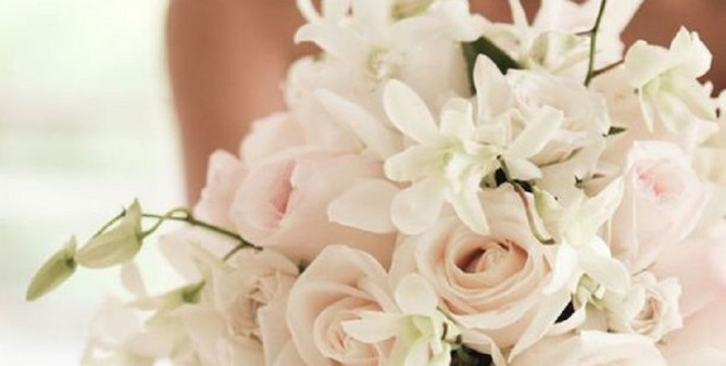 Bouquet Sposa Cadente.Il Bouquet Della Sposa Eentuallyweddings Com
